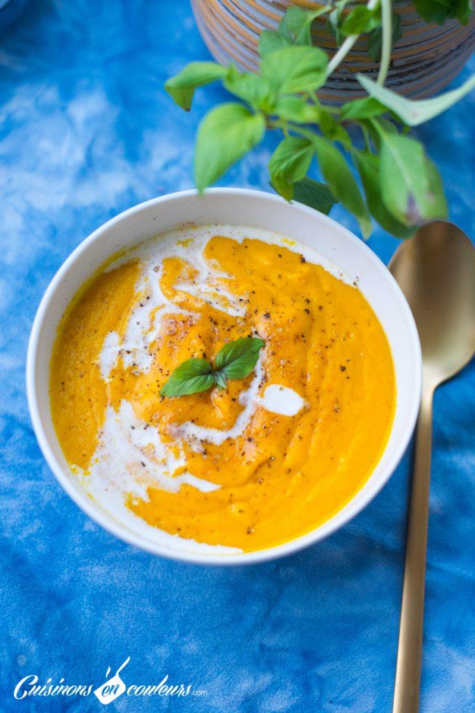 veloute-patate-douce-11-683x1024 - Velouté de patate douce et carottes au lait de coco