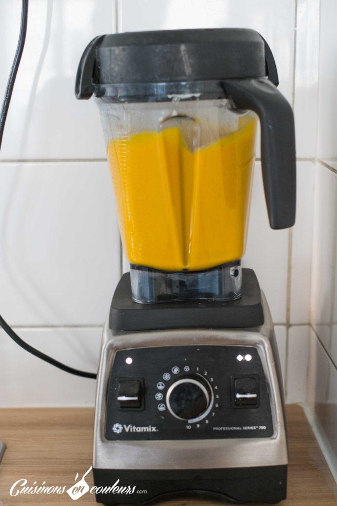 veloute-patate-douce-6-683x1024 - Velouté de patate douce et carottes au lait de coco