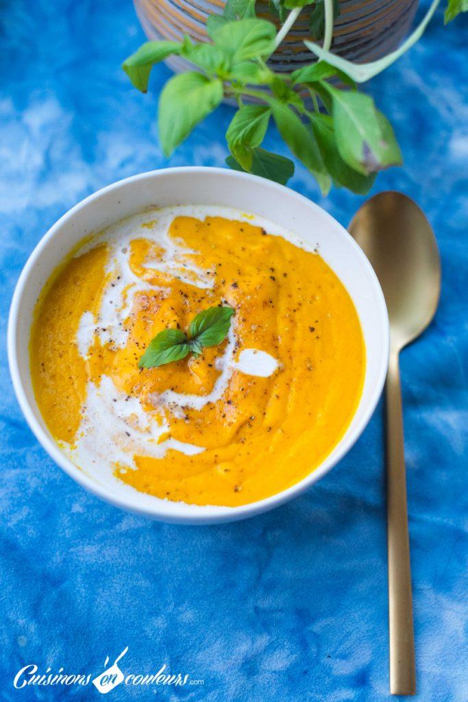 veloute-patate-douce-8-683x1024 - Velouté de patate douce et carottes au lait de coco