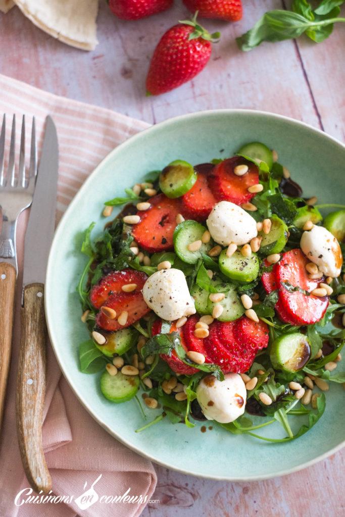 Salade-fraises-5-683x1024 - Salade de roquette, fraises, concombre et billes de labné