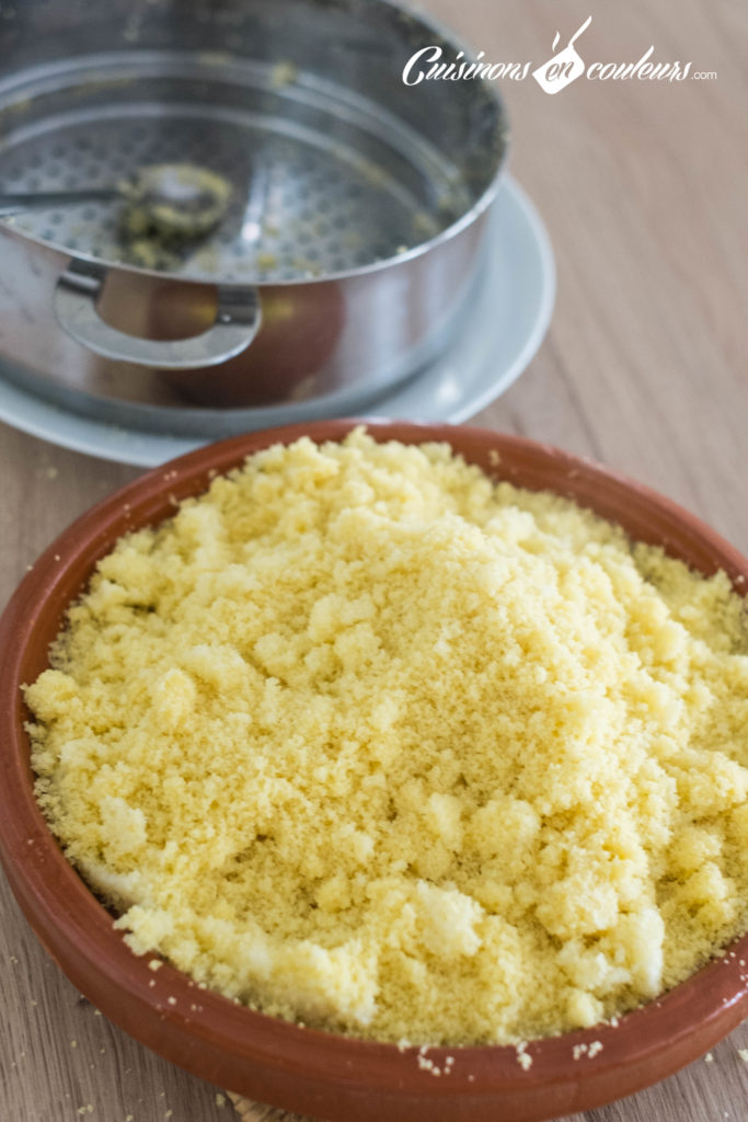 Couscous-Tfaya-4-683x1024 - Couscous au poulet et tfaya (confit d'oignons et raisins secs caramélisés)