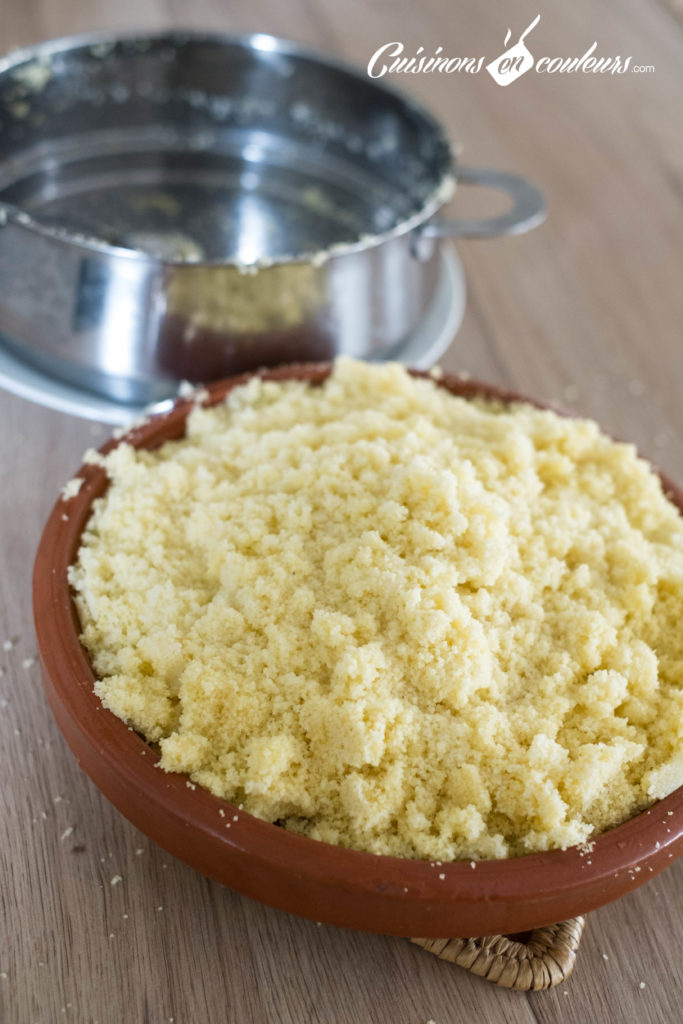 Couscous-Tfaya-6-683x1024 - Couscous au poulet et tfaya (confit d'oignons et raisins secs caramélisés)