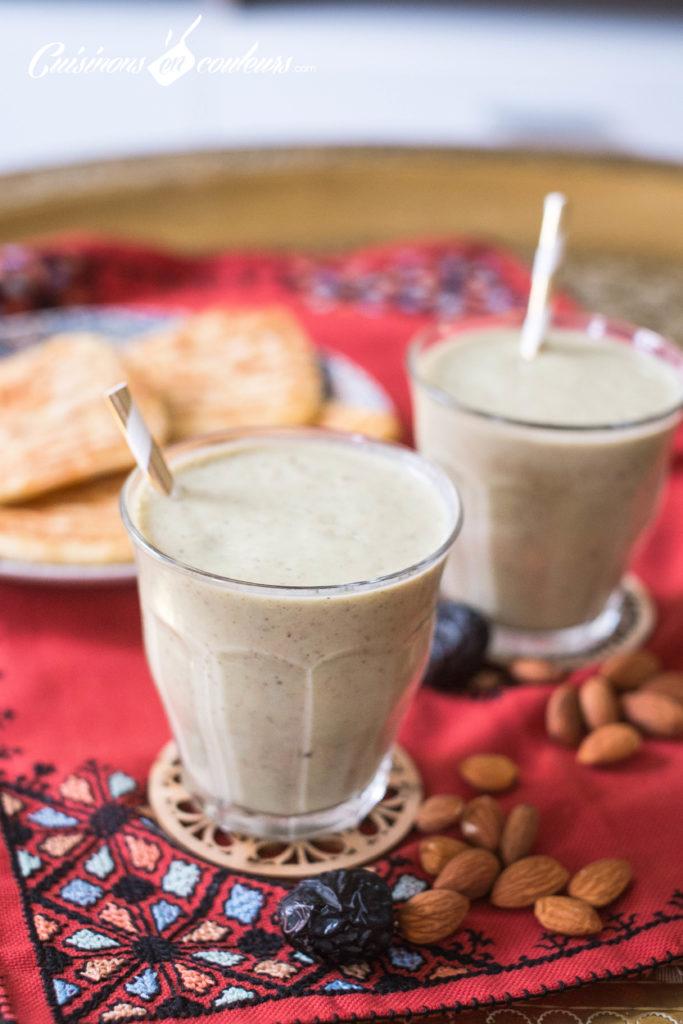 smoothie-avocat-fruits-secs-3-683x1024 - Smoothie à l'avocat et aux fruits secs (plus connu sous le nom de ZaaZaa au Maroc)