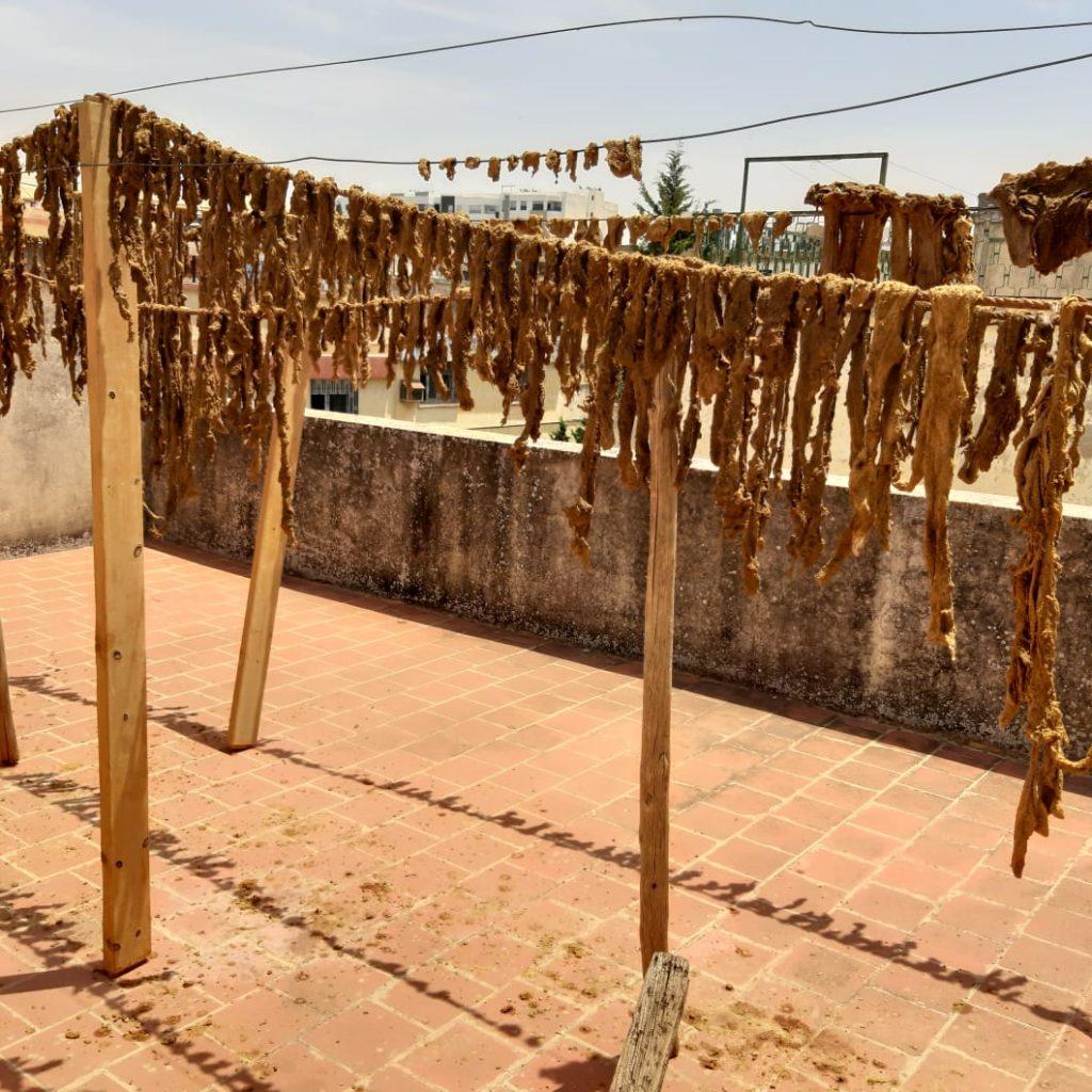 4d1e49dd-24cf-4034-8696-7b796ca48017-1024x1024 - Préparation traditionnelle de l'khliî, viande séchée marocaine
