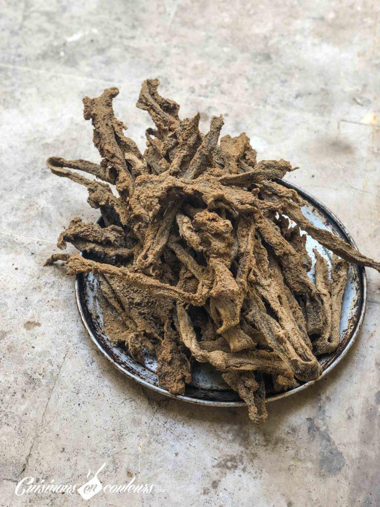 Preparation-khlii-3-768x1024 - Préparation traditionnelle de l'khliî, viande séchée marocaine