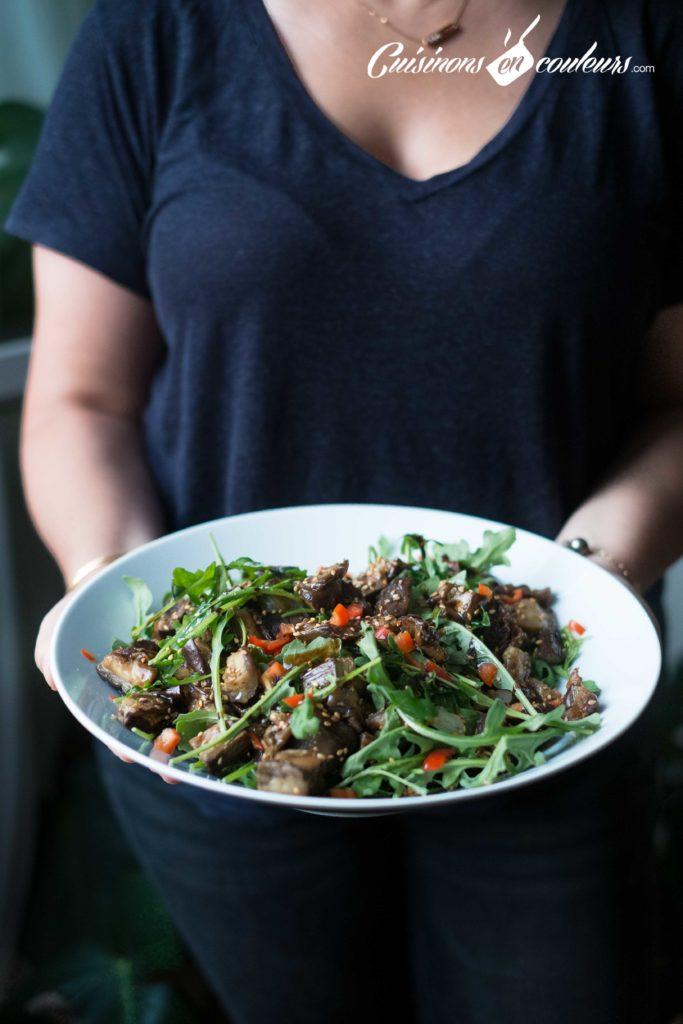 salade-roquette-2-683x1024 - Salade d'aubergines, roquette et graines de sésame