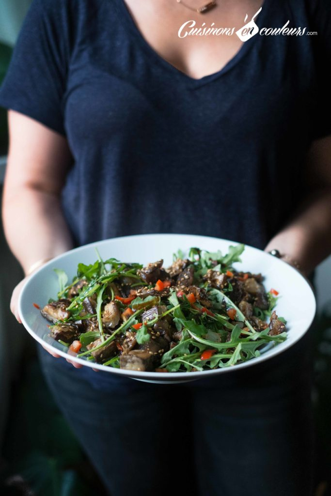 salade-roquette-683x1024 - Salade d'aubergines, roquette et graines de sésame
