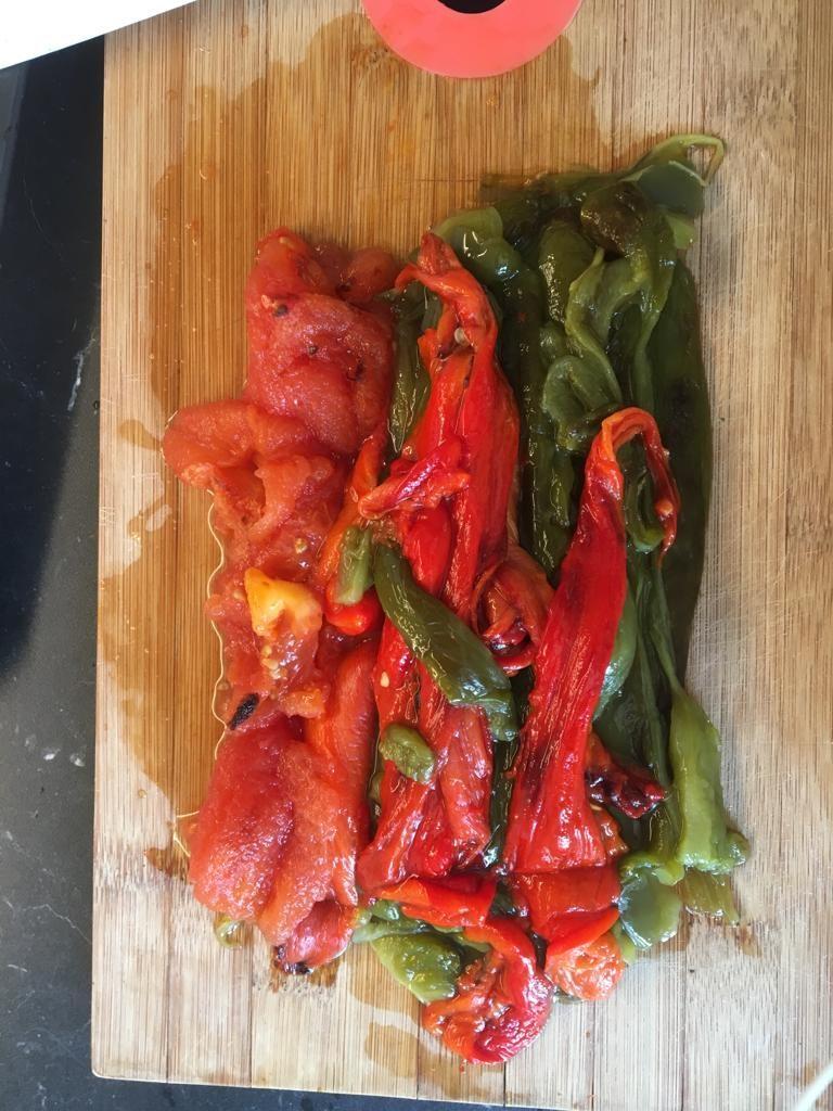 8a8ea2c7-a8dd-46bd-b139-456141e64ed7-768x1024 - Méchouia, salade de poivrons et tomates grillés