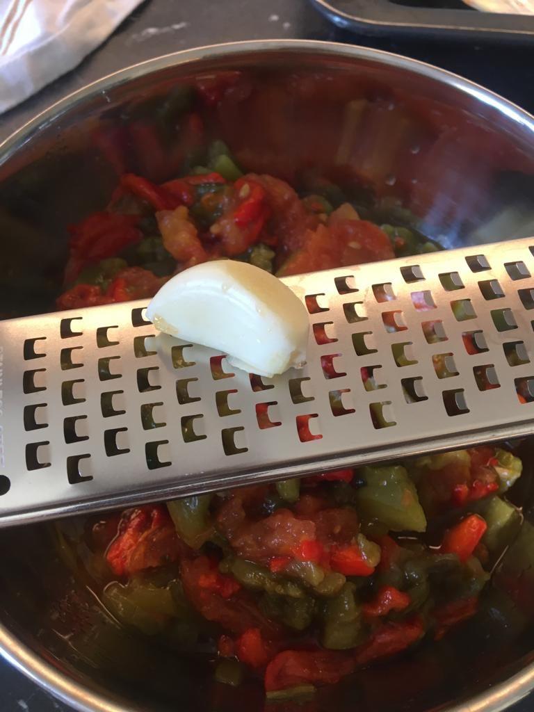 a29bf954-45e9-468d-9c20-f2d2e0ce8324-768x1024 - Méchouia, salade de poivrons et tomates grillés