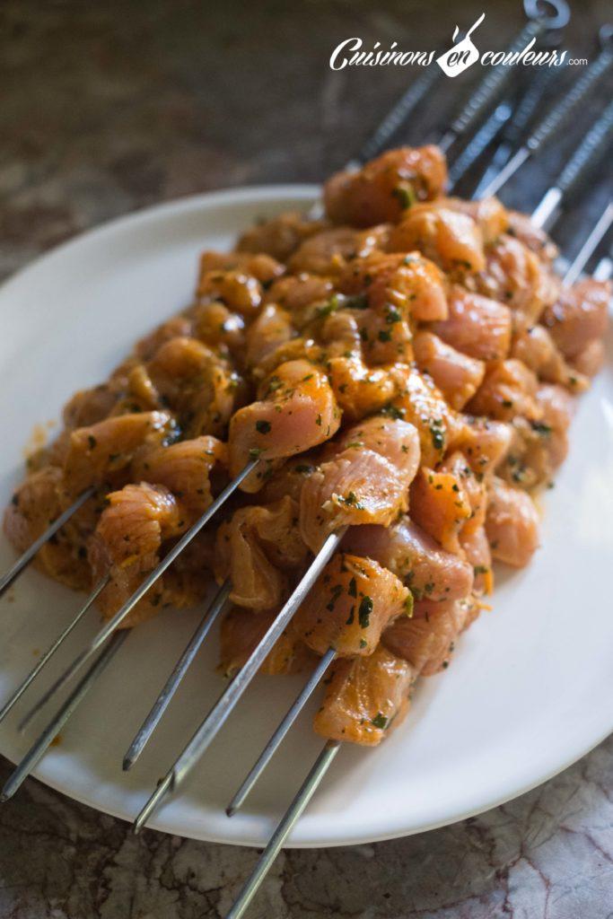 brochettes-poulet-4-683x1024 - Brochettes de poulet au paprika
