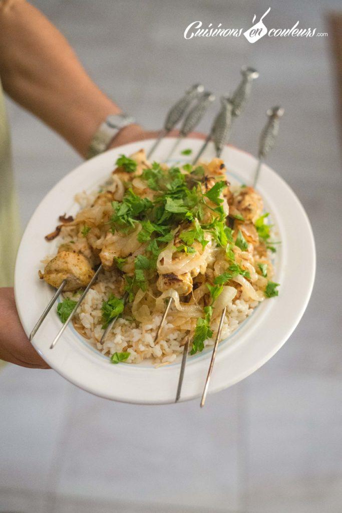 brochettes-poulet-cannelle-6-683x1024 - Brochettes de poulet au yaourt et aux épices