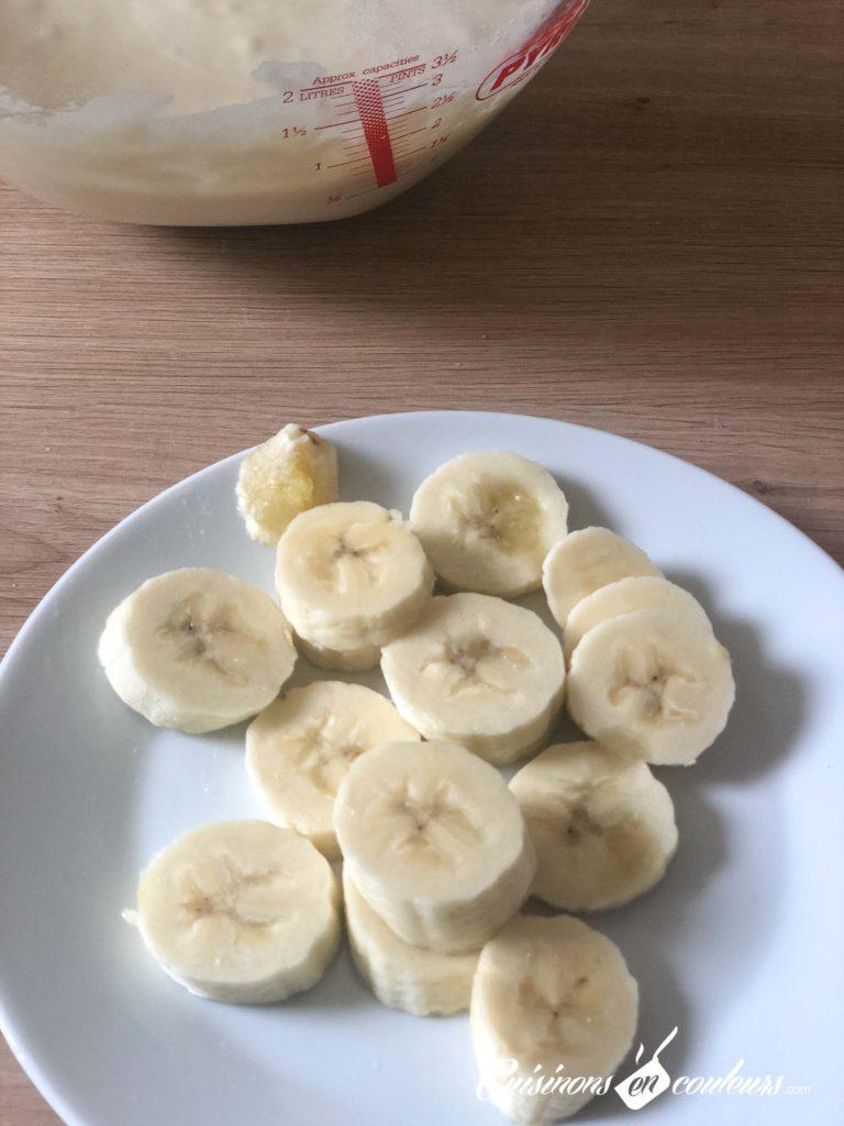 Banana-Pancakes-4-768x1024 - Pancakes à la banane, SANS OEUFS
