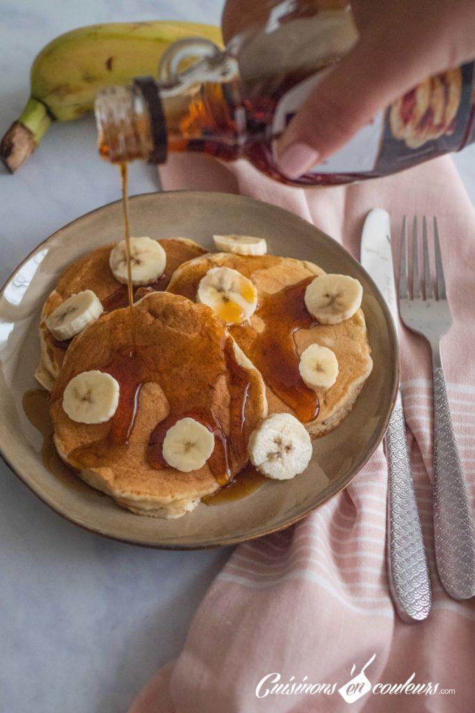 Pancakes-banana-2-683x1024 - Pancakes à la banane, SANS OEUFS