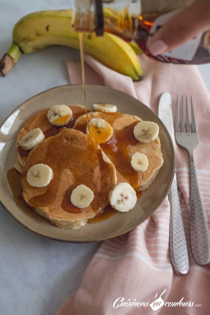 Pancakes-banana-3-683x1024 - Pancakes à la banane, SANS OEUFS