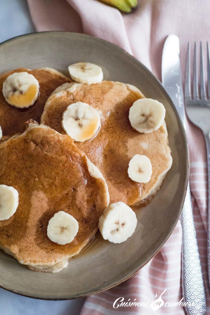 Pancakes-banana-683x1024 - Pancakes à la banane, SANS OEUFS