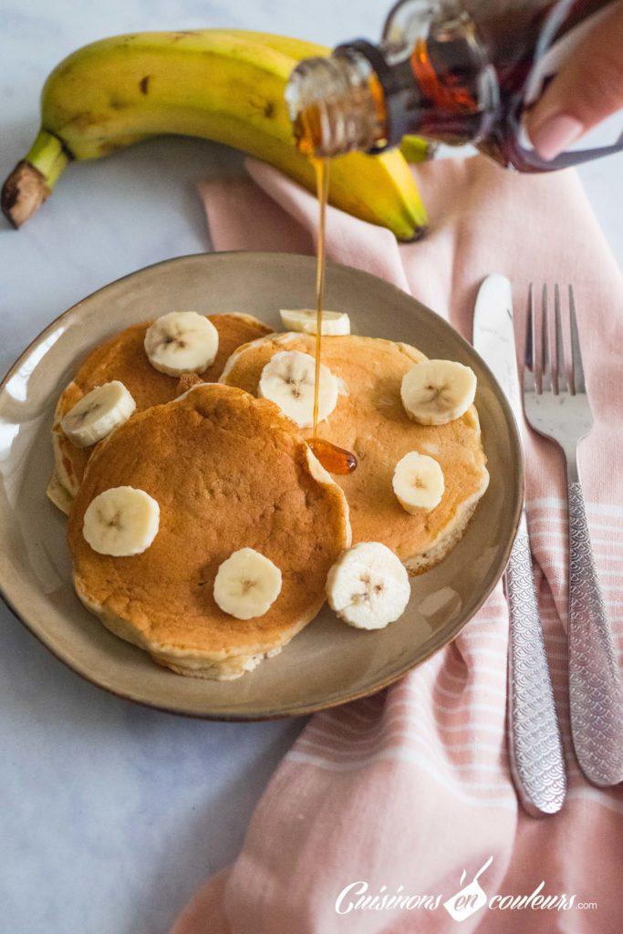 Pancakes-banana-8-683x1024 - Pancakes à la banane, SANS OEUFS