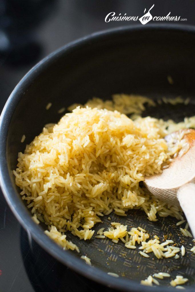 Poulet-et-riz-683x1024 - Pilons de poulet aux herbes de Provence et riz au curcuma