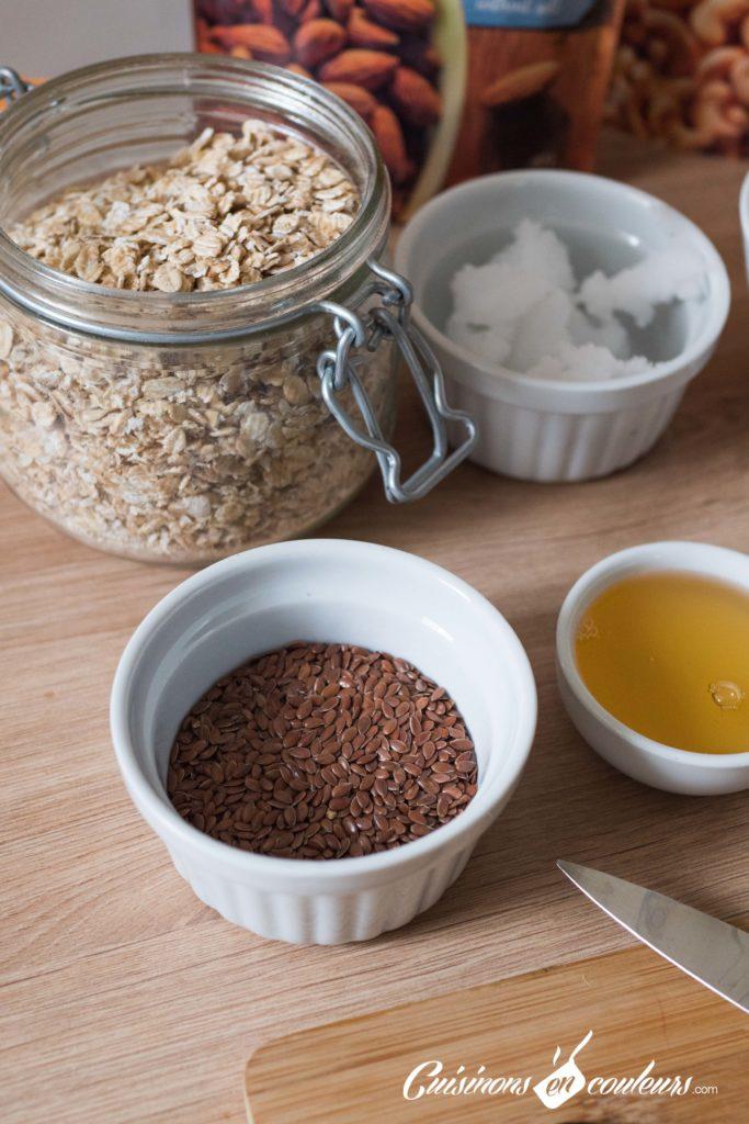 Granola-fait-maison-2-683x1024 - Granola aux amandes et noix de cajou grillées et au chocolat