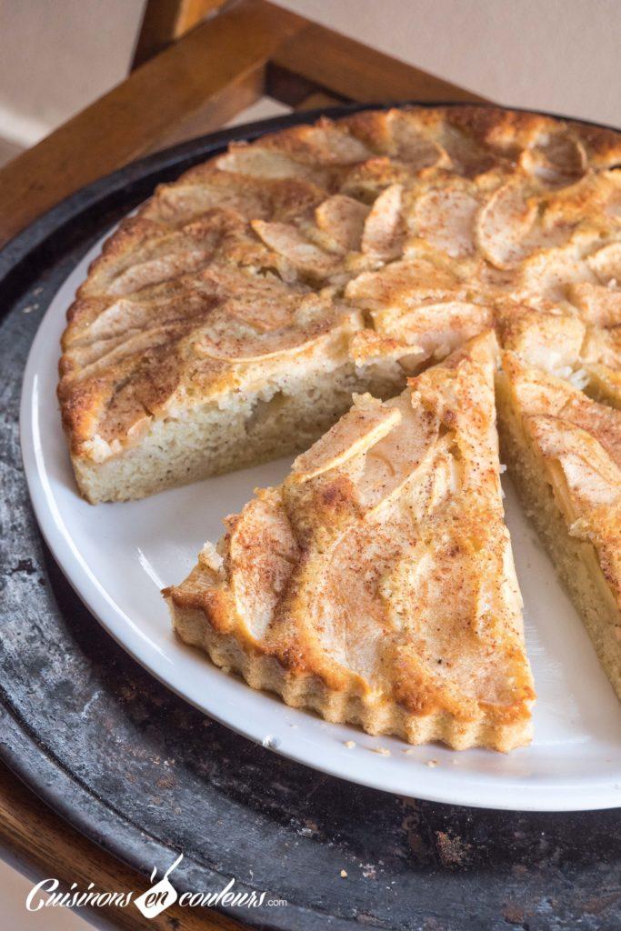 gateau-aux-pommes-2-683x1024 - Gâteau aux pommes TRÈS FACILE