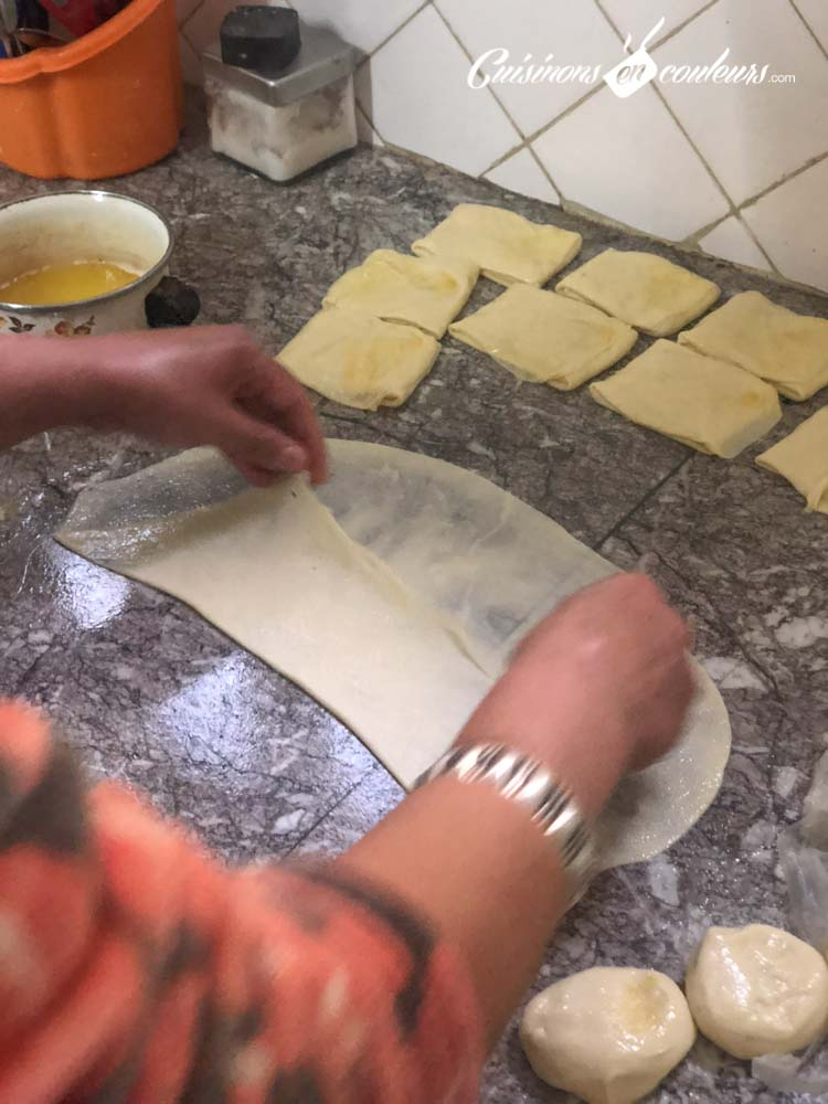 Msemen-mlaoui-3 - Msemen, Mlaoui et Rziza, la recette FACILE et INRATABLE avec UNE SEULE PÂTE et les 3 techniques de pliage
