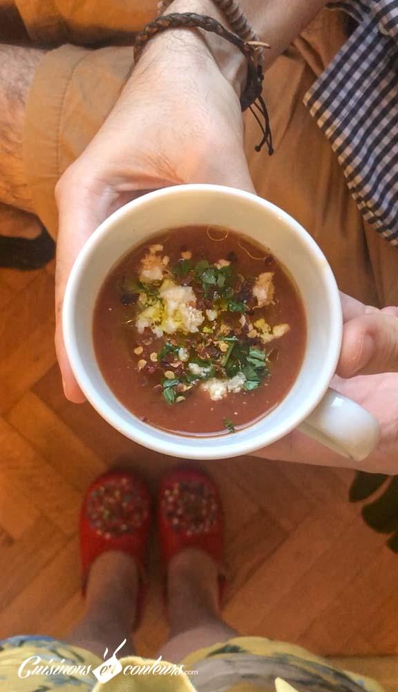 Soupe-froide-de-tomates-et-oignons-rôtis-10 - Soupe froide de tomates et oignons rôtis