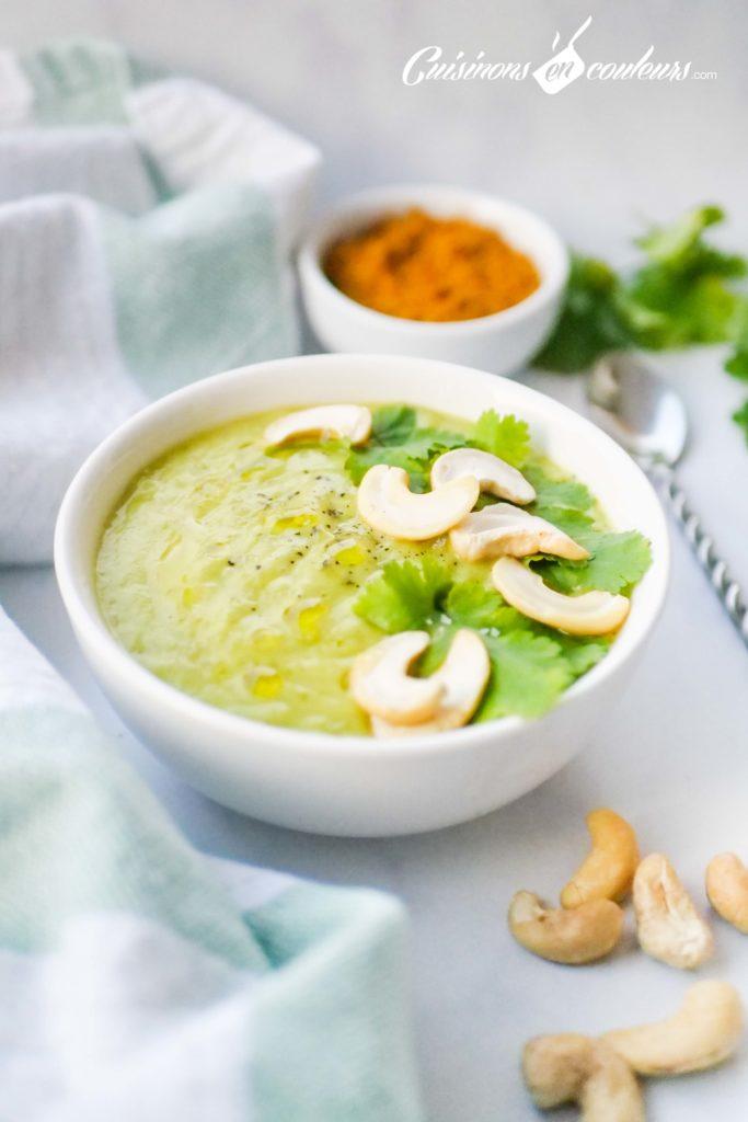 Veloute-de-courgettes-au-curry-2-683x1024 - Velouté de courgettes au curry et aux noix de cajou