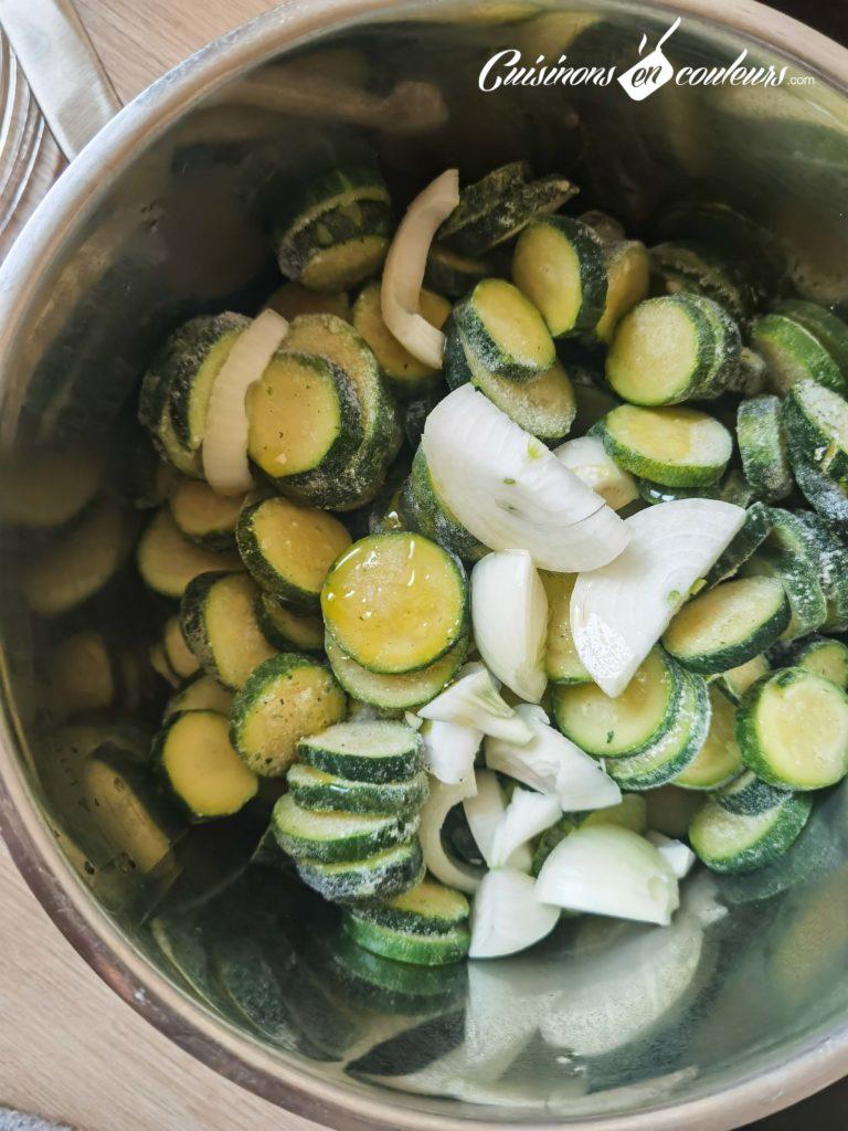 Veloute-de-courgettes-au-curry-4-768x1024 - Velouté de courgettes au curry et aux noix de cajou