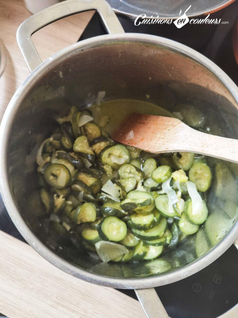 Veloute-de-courgettes-au-curry-5-768x1024 - Velouté de courgettes au curry et aux noix de cajou