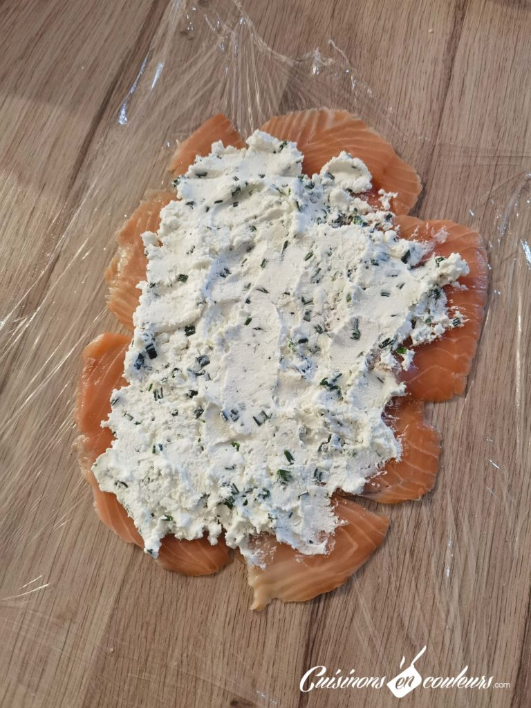 Roule-au-saumon-fume-6-768x1024 - Saumon fumé roulé au fromage frais