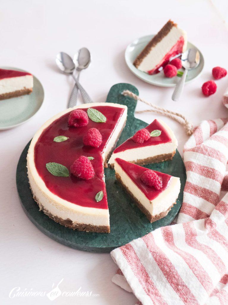 Cheesecake-maison-11-768x1024 - Cheesecake fondant au coulis de framboises