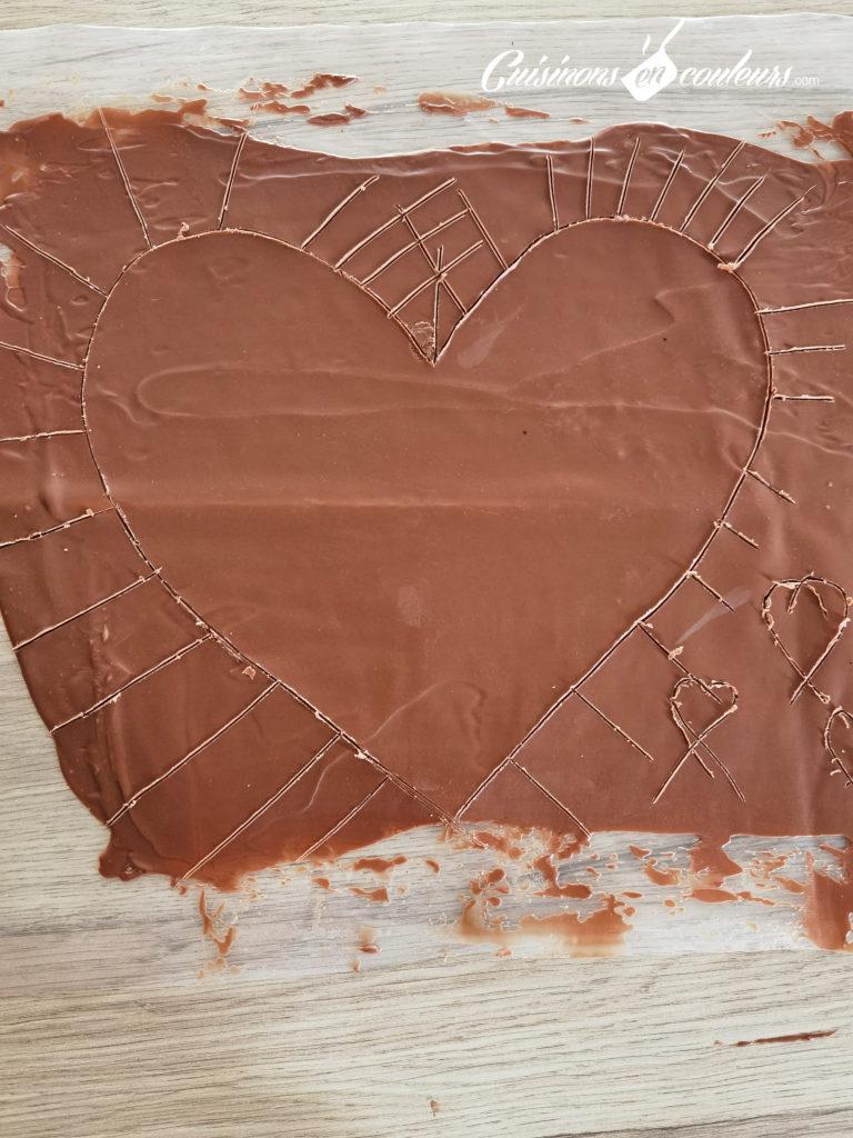 Gateau-coeur-chocolat-27-768x1024 - Gâteau croustillant aux noisettes et à la mousse au chocolat