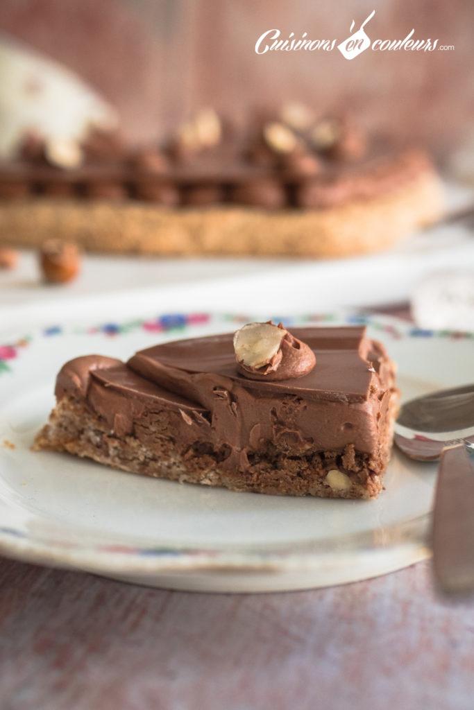 Gateau-coeur-chocolat-7-683x1024 - Gâteau croustillant aux noisettes et à la mousse au chocolat