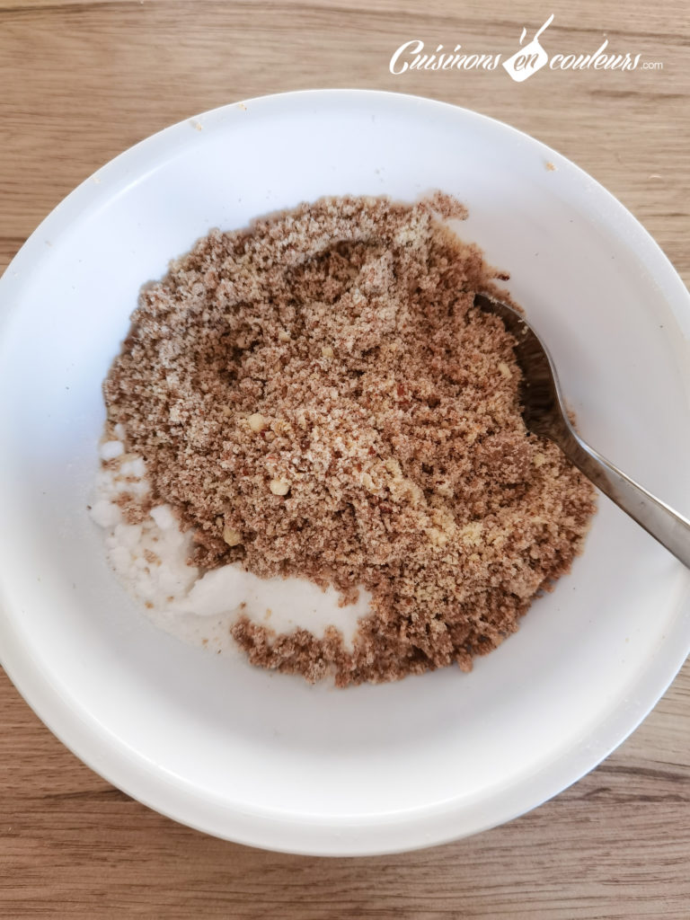 Gateau-coeur-chocolat-9-768x1024 - Gâteau croustillant aux noisettes et à la mousse au chocolat