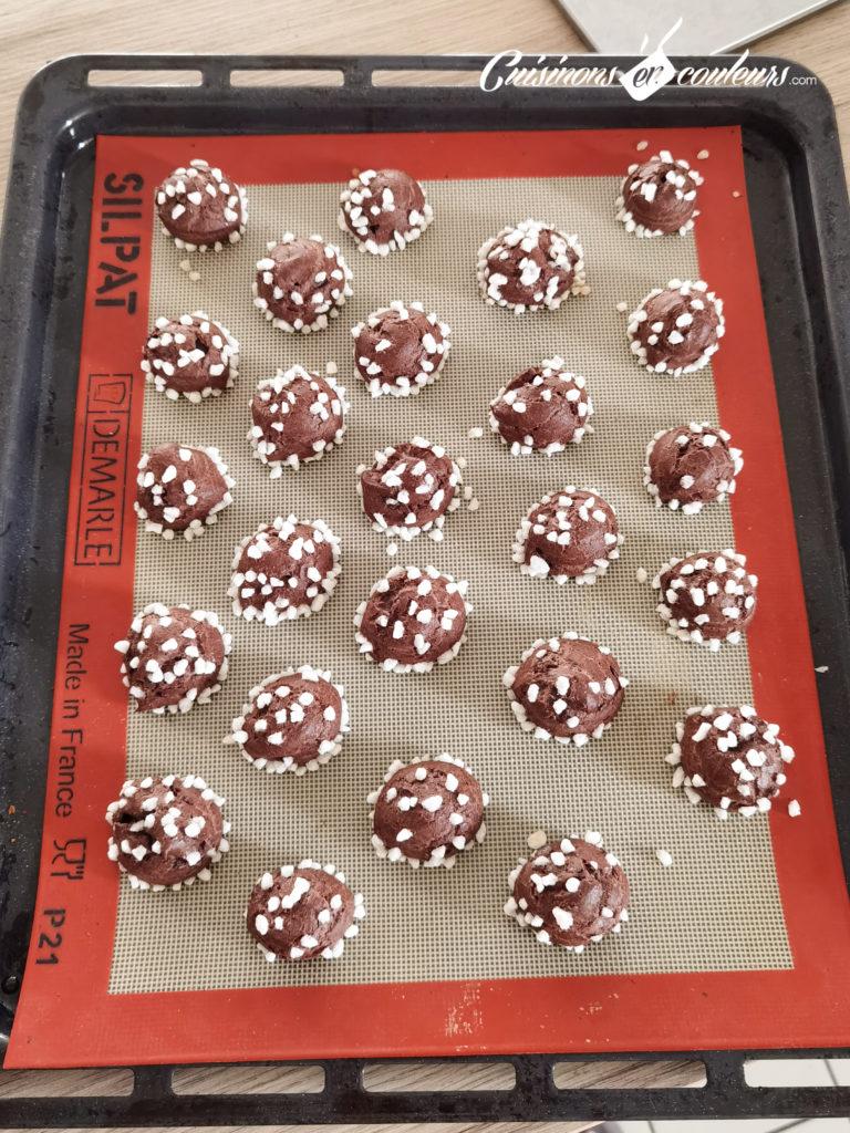 chouquettes-chocolat-17-768x1024 - Chouquettes au chocolat HYPER bonnes !