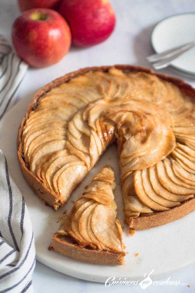 tarte-aux-pommes-7-683x1024 - Tarte aux pommes HYPER facile