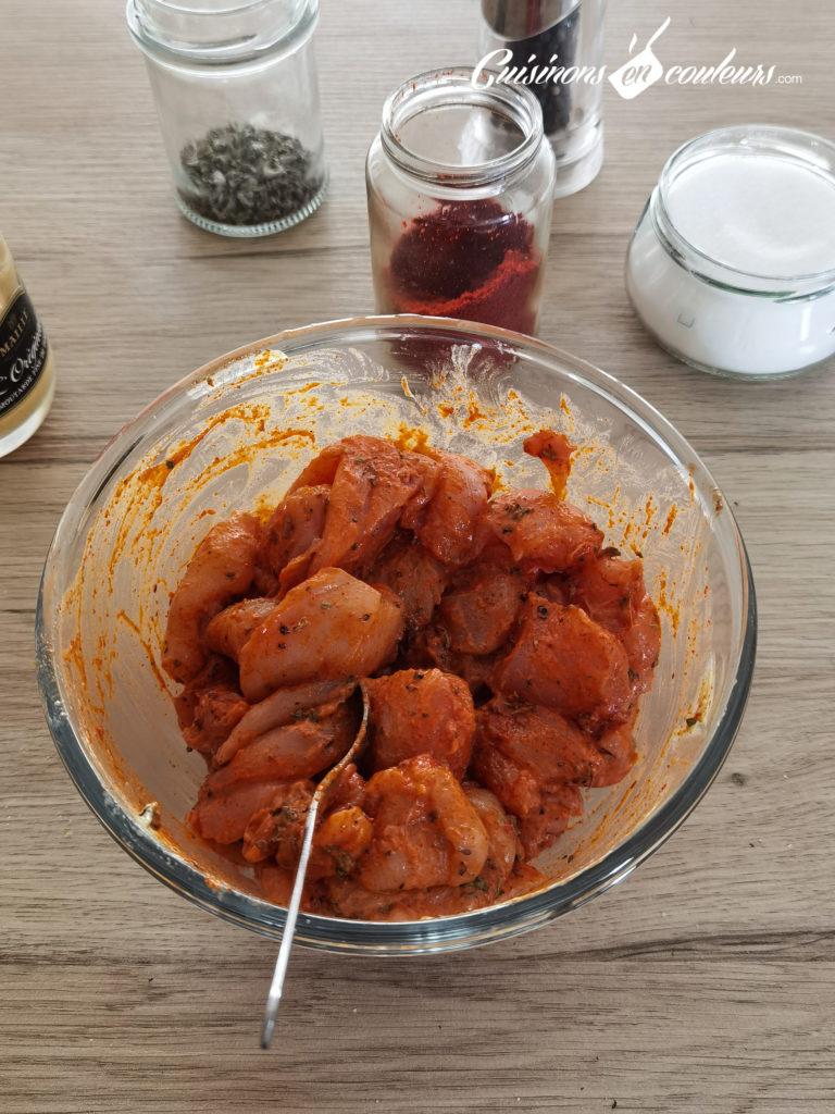 Brochettes-de-poulet-7-768x1024 - Brochettes de poulet à la moutarde et à l'origan