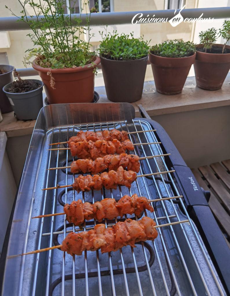 Brochettes-de-poulet-9-795x1024 - Brochettes de poulet à la moutarde et à l'origan