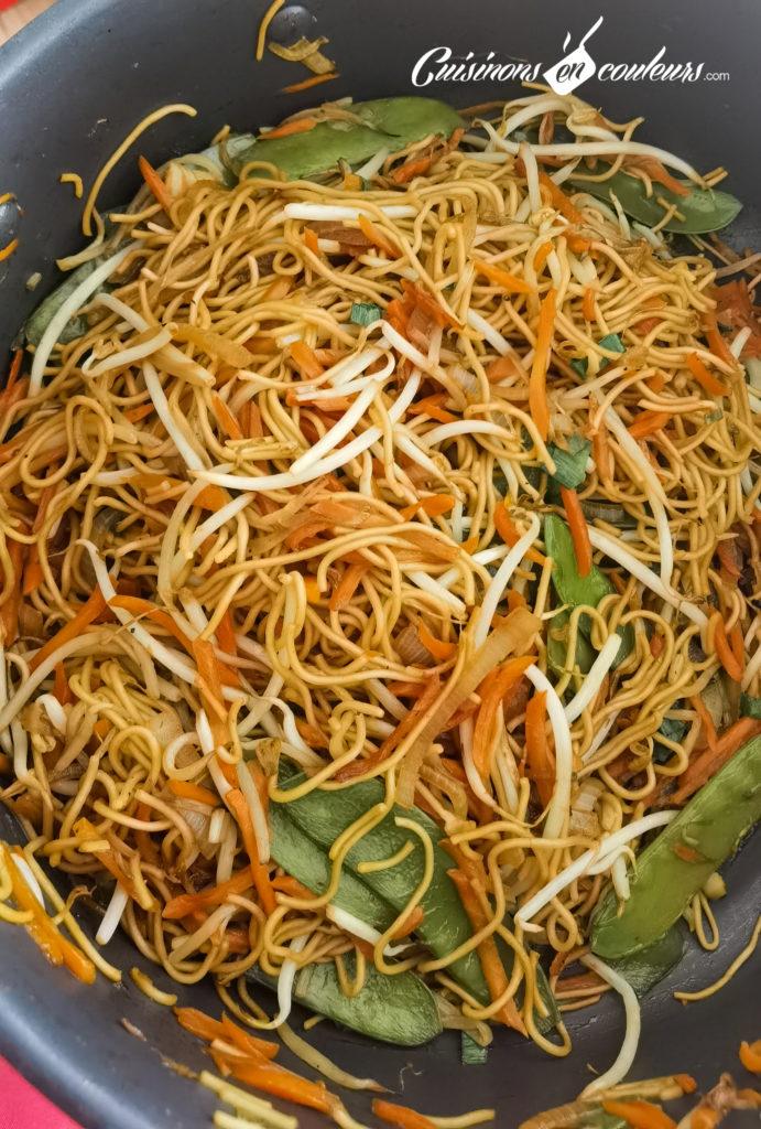nouilles-sautees-aux-legumes-7-691x1024 - Nouilles sautées aux légumes