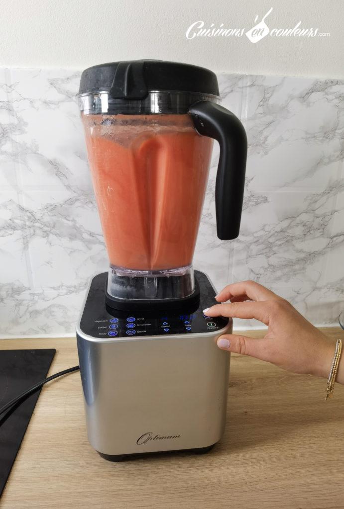 soupe-froide-tomates-fraises-17-691x1024 - Soupe froide de tomates et fraises au basilic