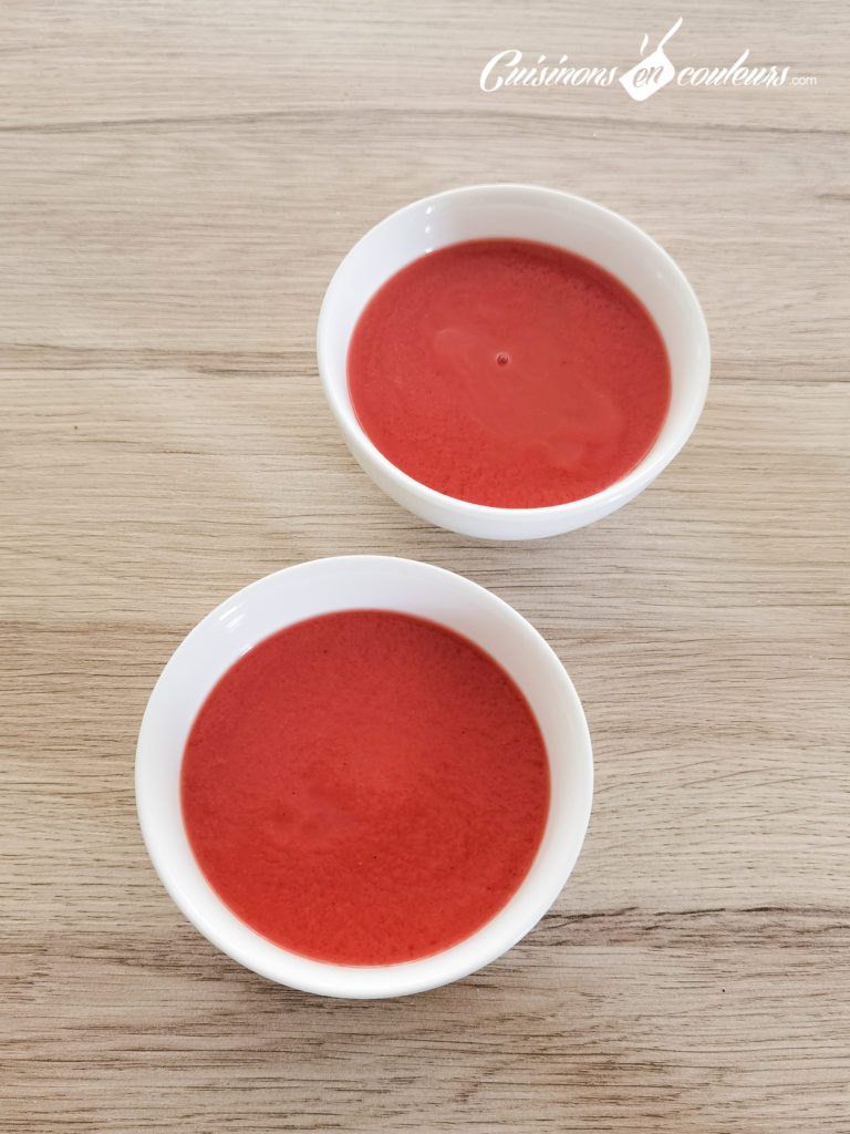 soupe-froide-tomates-fraises-21-768x1024 - Soupe froide de tomates et fraises au basilic