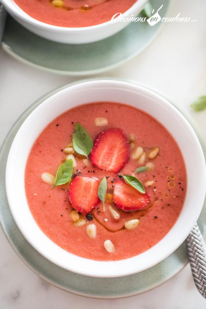 soupe-froide-tomates-fraises-22-683x1024 - Soupe froide de tomates et fraises au basilic