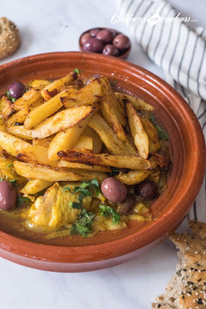 tajine-poulet-frites-13-683x1024 - Tajine de poulet mqualli aux olives et citron confit